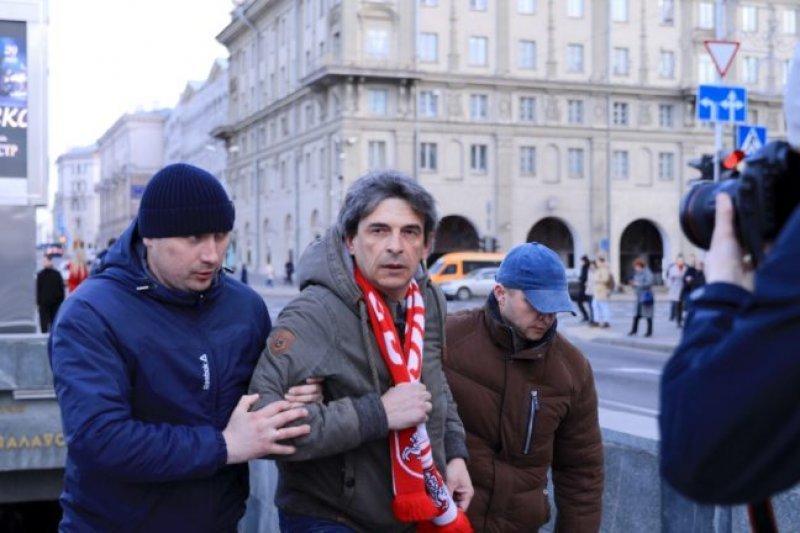 У Білорусі пройшли масштабні мітинги: фото і відео затримань активістів
