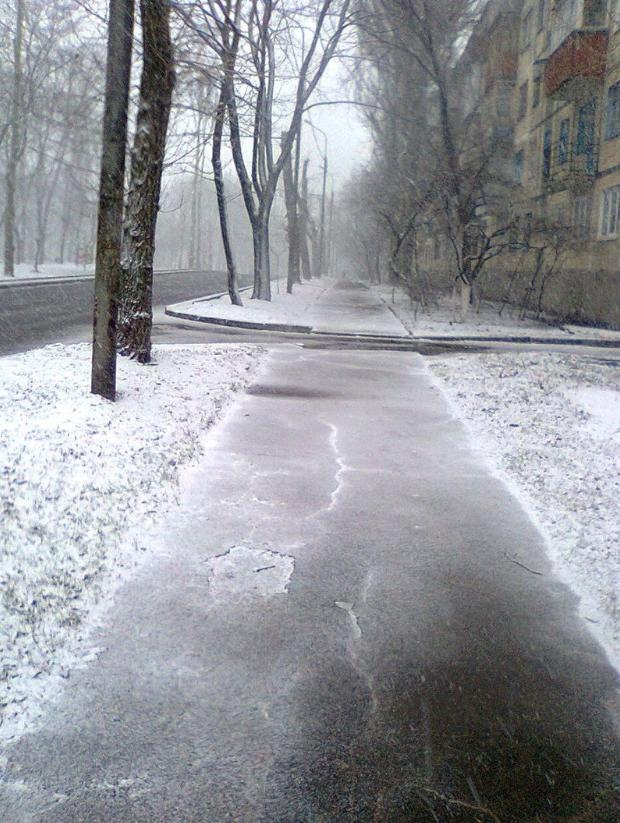 Місто помирає: з'явилися свіжі фото з безлюдного Донецька