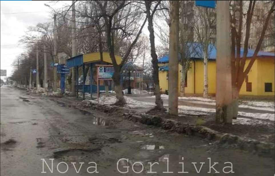 Черг за сміттям поки немає: окупований Донбас налякав свіжими фото