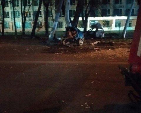 Брат загиблого у ДТП в Одесі показав дивні фото з небіжчиком