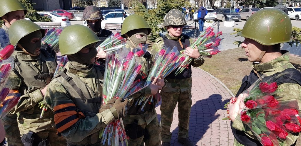 """В Криму знову з'явилися """"зелені чоловічки"""": що відбувається в окупації"""