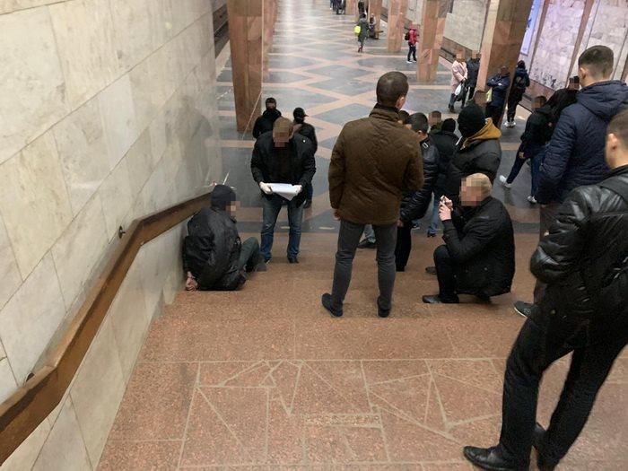 У Харкові хотіли підірвати метро: СБУ показала фото і відео із терористом