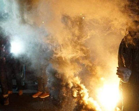 """Нацкорпус """"атакував"""" будинок кума Путіна: все потрапило на відео"""