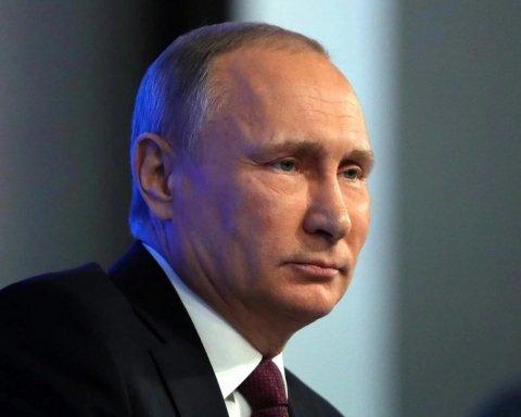 Боїться, що отруять: опубліковано цікаве відео з Путіним