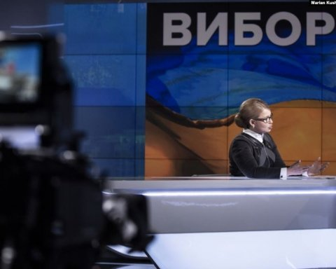 Дебатов не получились: сеть взбудоражило видео ток-шоу, на которое пригласили кандидатов в президенты