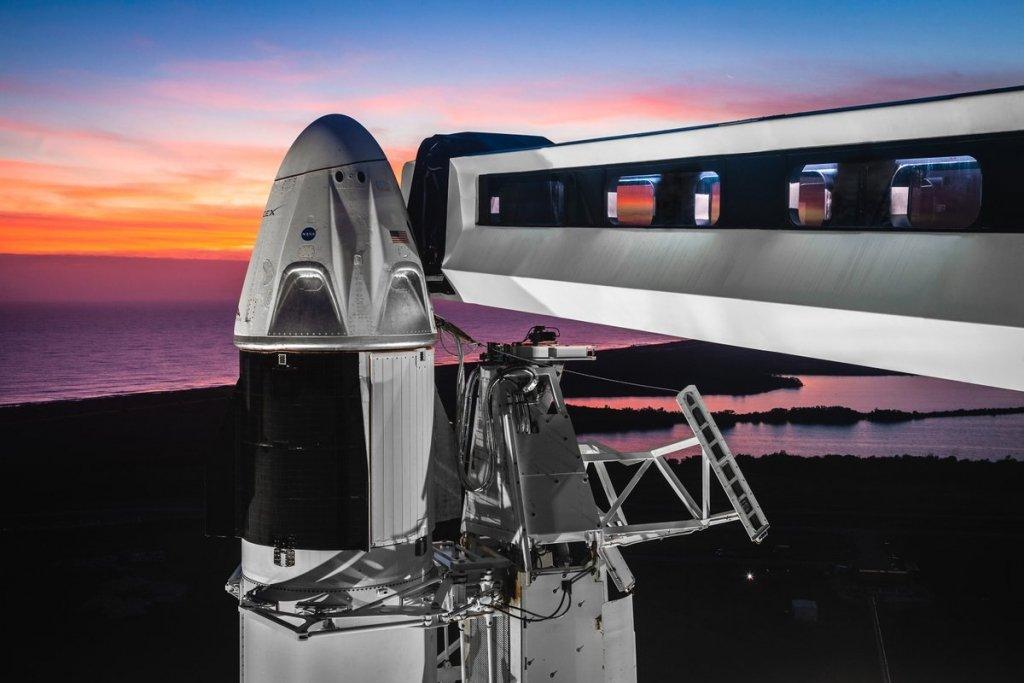 Запуск SpaceX Crew Dragon перенесли: озвучено нову дату