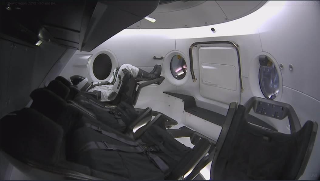 SpaceX запустить Crew Dragon на МКС: на борту корабля – легенда