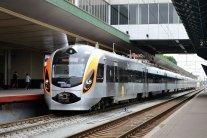 Укрзалізниця відкрила продаж квитків: куди можна поїхати