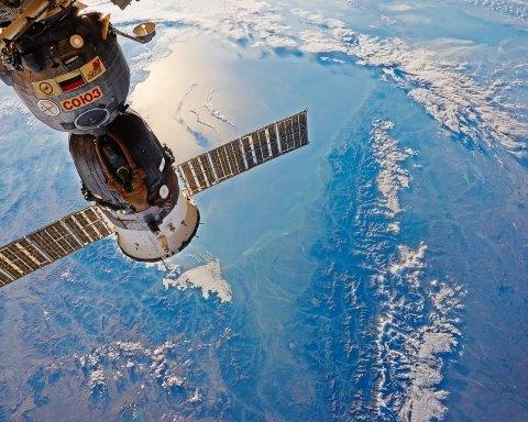 МКС на фоні гігантського Сонця: в NASA опублікували вражаючий знімок
