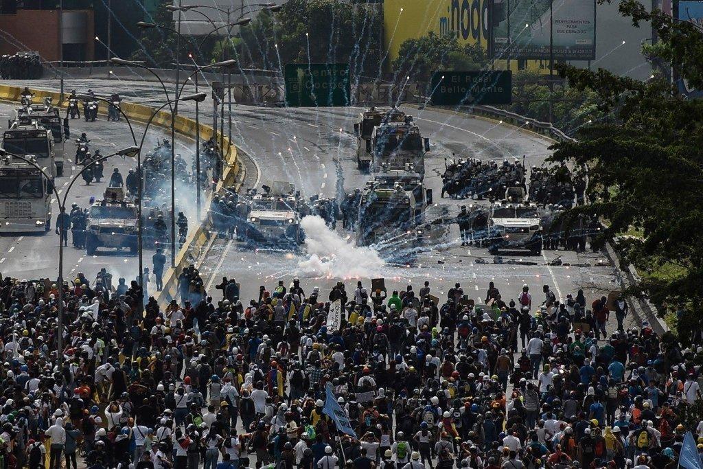 У Венесуелу прибули військові Путіна: в Росії озвучили підозрілу причину