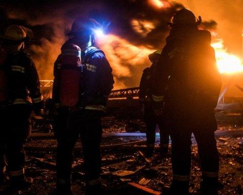 Число жертв вибуху в Китаї різко зросло: камери зняли моторошний момент