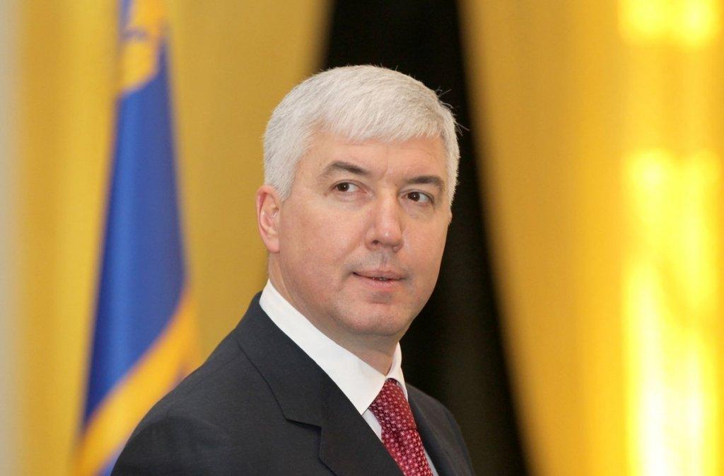 Хищение в Укроборонпроме: экс-министру объявили о подозрении