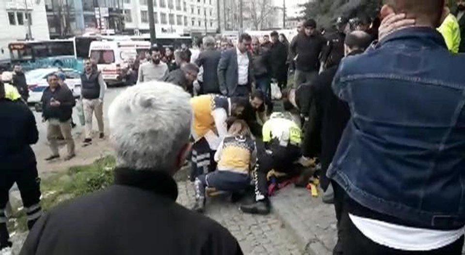 Автобус протаранив групу людей на зупинці: подробиці та кадри НП у Туреччині