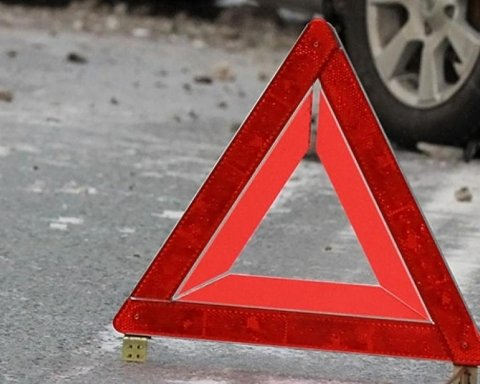 В ДТП на Хмельнитчине погибли молодая мать и трехлетний ребенок: фото с места трагедии