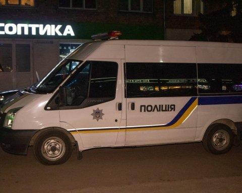 Под Киевом преступники с автоматами совершили дерзкое ограбление: фото и видео с места ЧП