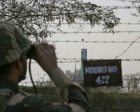На грани войны: Пакистан возобновил обстрелы Индии, гибнут люди