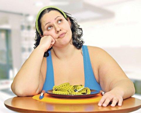 Диетологи рассказали, как не поправиться от нездоровой пищи
