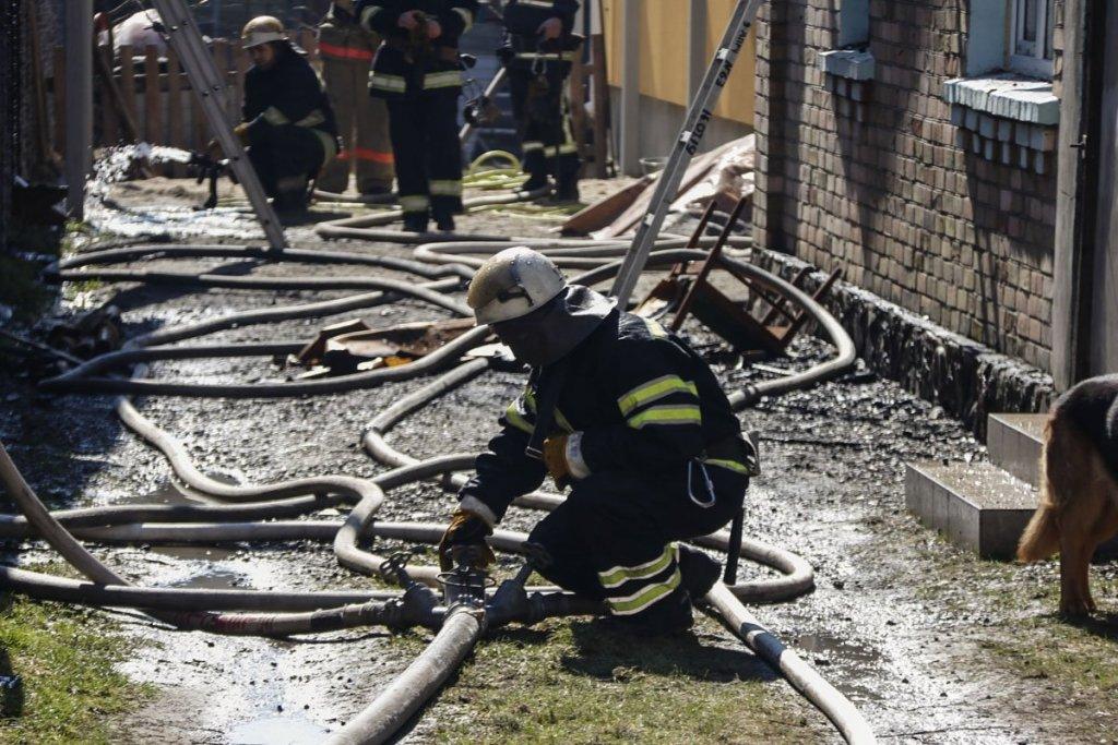 Потужна пожежа під Києвом: з'явилися нові подробиці і фото