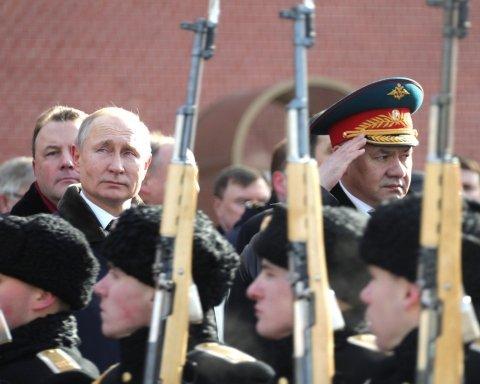 Путин зарядил пушки и затаился до лета