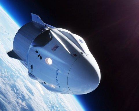Космічний корабель SpaceX Crew Dragon пристикувався до МКС: з'явились вражаючі фото та відео