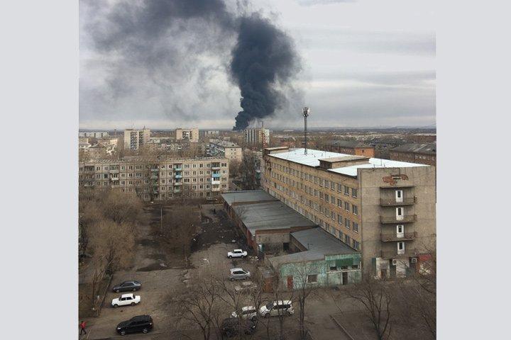 У Росії спалахнула потужна пожежа: опубліковано фото і відео з місця НП