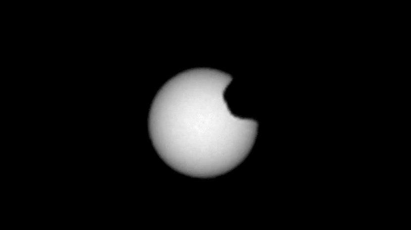 Як виглядає сонячне затемнення на Марсі: у NASA показали вражаючі фото