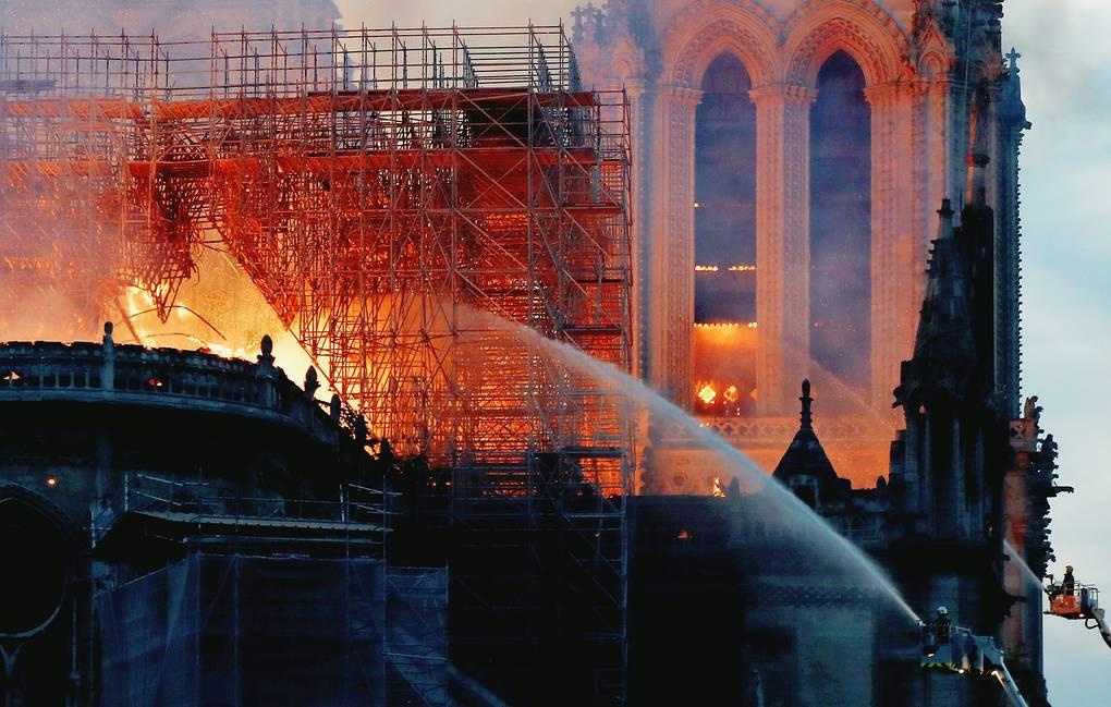 Пожежа у Нотр-Дам де Парі: чоловік із каністрами намагався повторити катастрофу