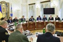 РНБО ввів санкції проти екс-глави МВС і екс-шефа СБУ: подробиці