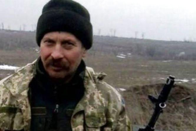 На Донбасі трагічно помер український боєць: фото та подробиці