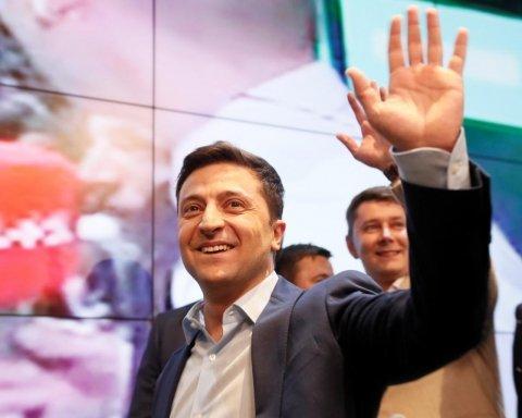Зеленський перемагає Порошенка: мережа вибухнула коментарями і жартами