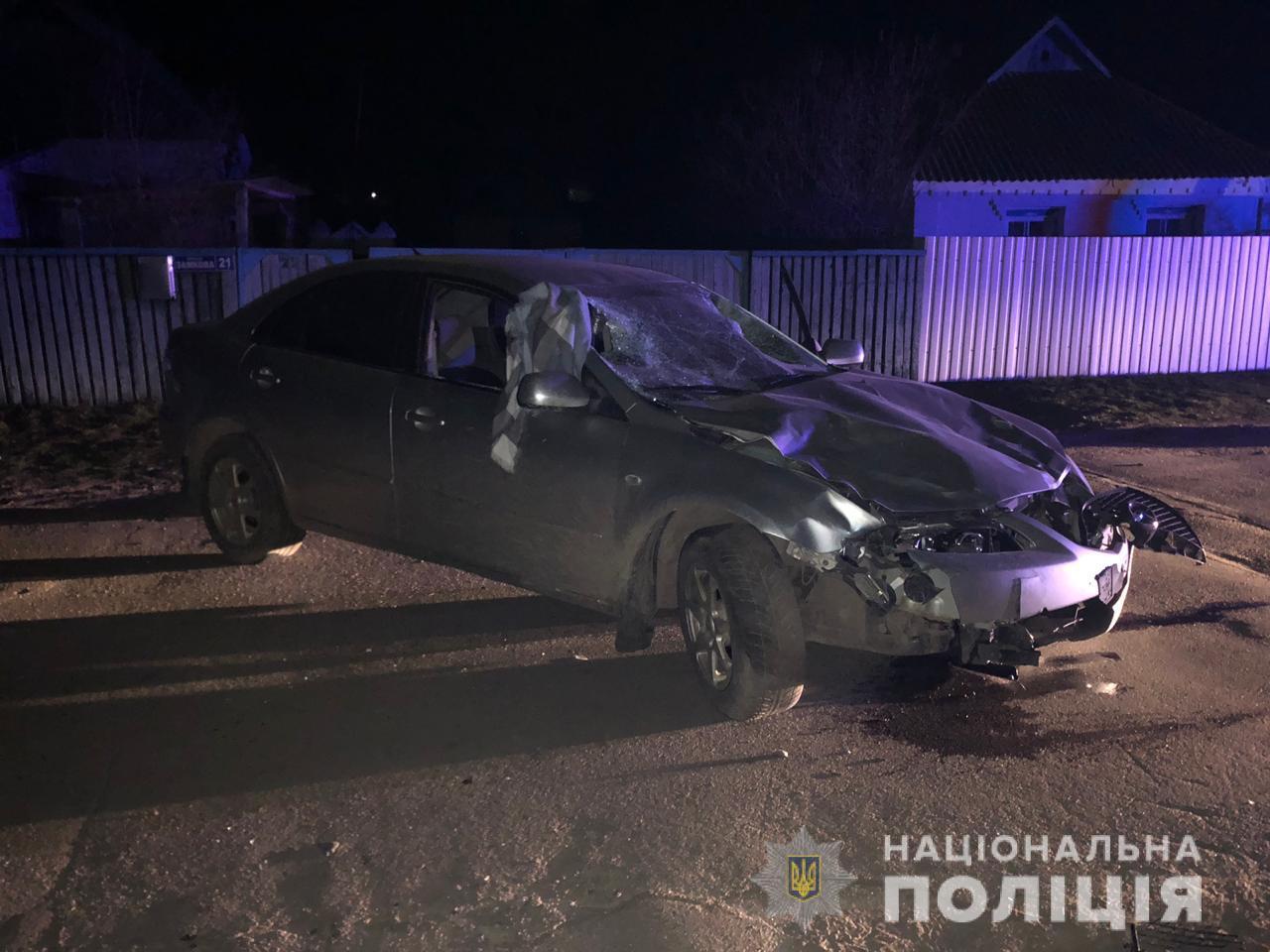Под Киевом подросток на автомобиле родителей насмерть сбил двух девушек: фото с места ДТП
