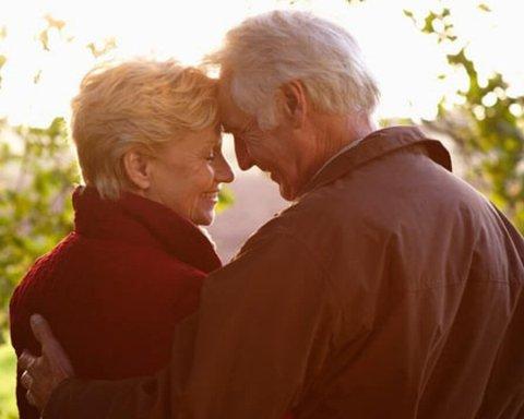 Ученые нашли связь между браком и продолжительностью жизни