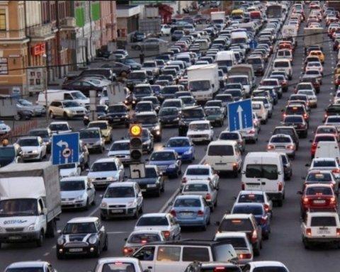 Киев остановился в пробках из-за дебатов на НСК «Олимпийский»: карта проезда
