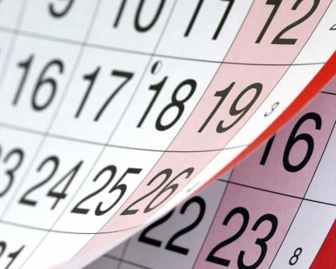 Украинцев ждут долгие выходные: сколько дней будем отдыхать на Пасху и майские