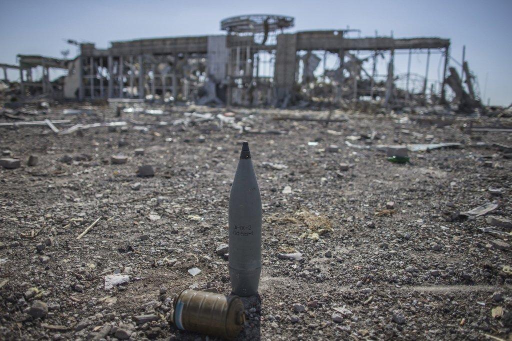 В сети двумя фото показали, во что боевики превратили Донбасс