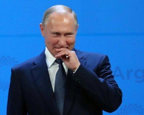 Небачена щедрість Путіна: російські паспорти для Донбасу висміяли у карикатурі