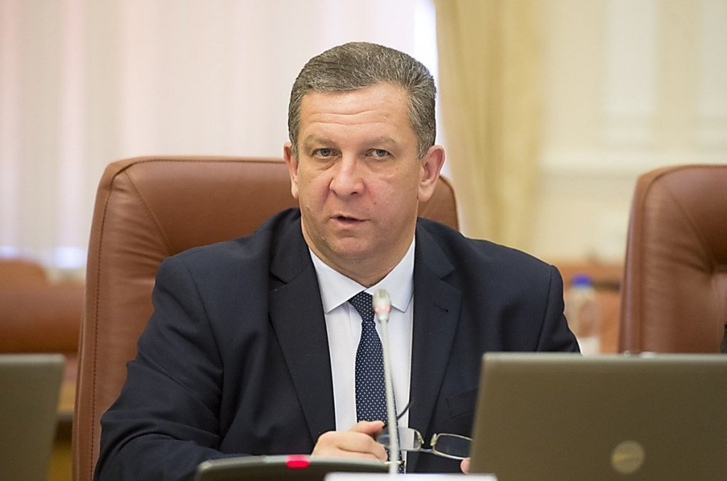 Влада розповіла, яким українцям на Донбасі не можна платити пенсії