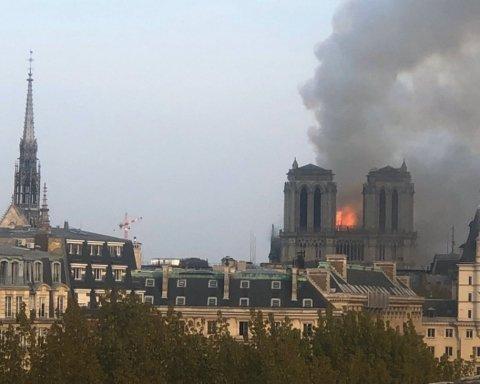 У Франції палає знаменитий собор: фото, відео та подробиці