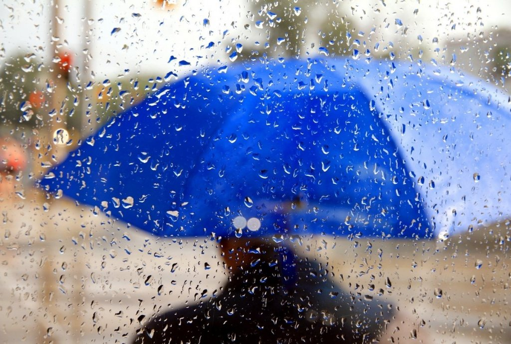 Сонце ненадовго: синоптик розповів, коли Україну знову накриють дощі