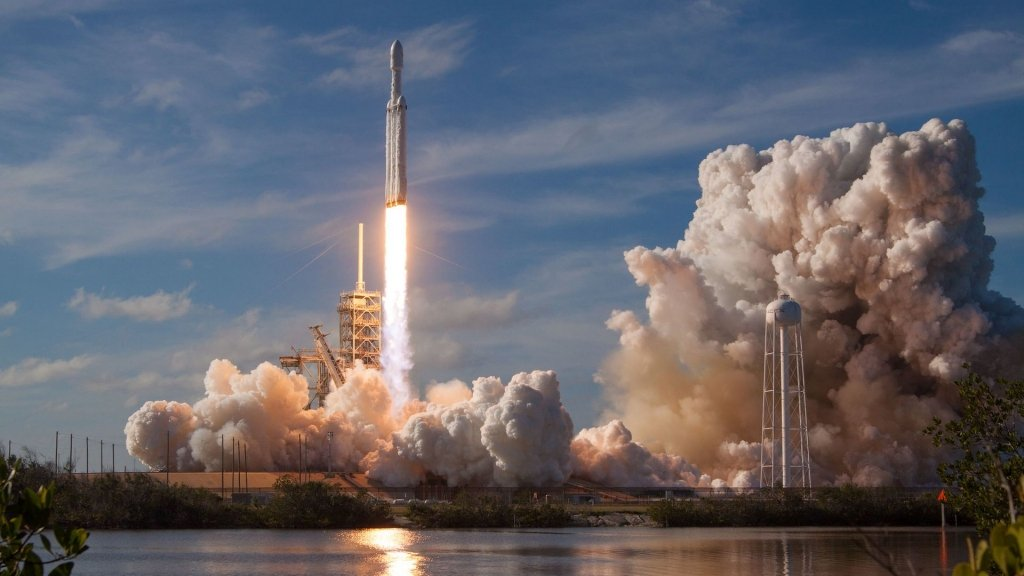 SpaceX втратила центральний ступень Falcon Heavy: як це відіб'ється на наступних запусках