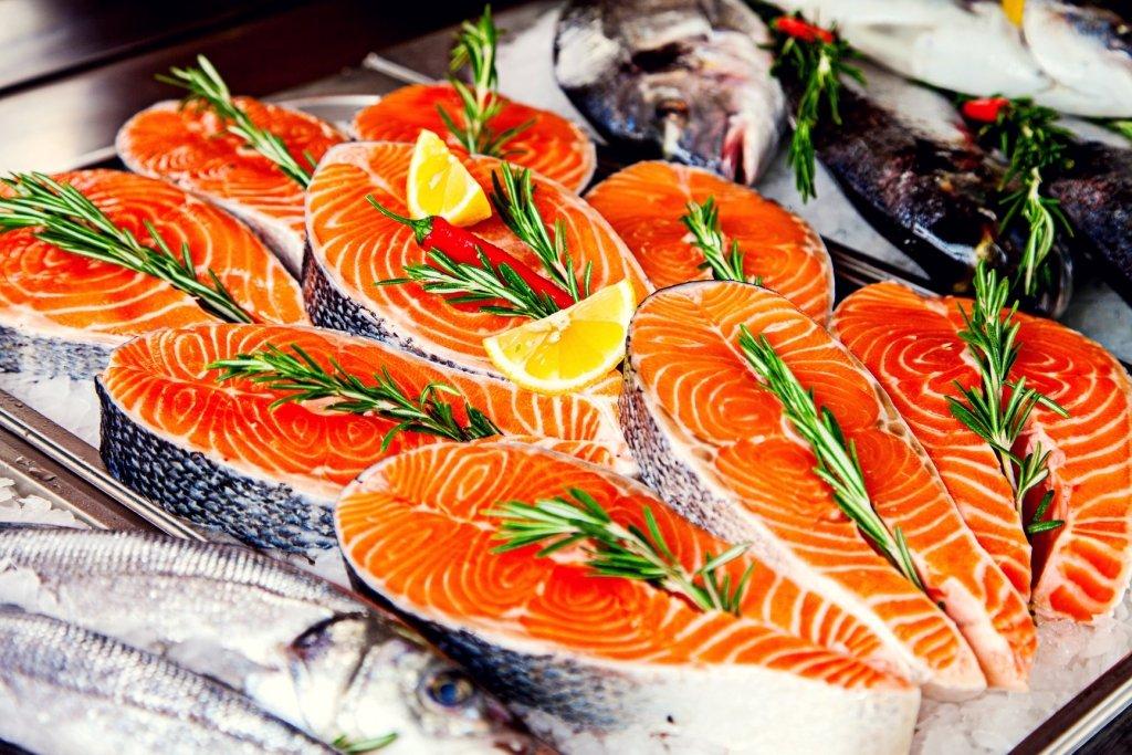Эту рыбу ни в коем случае нельзя есть: медики предупредили о смертельной опасности