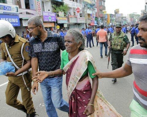 Комендантский час и блокировка соцсетей: что происходит на Шри-Ланке после кровавого теракта