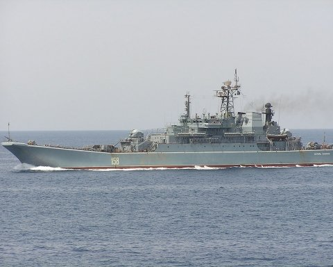 Возле оккупированного Крыма произошло серьезное ЧП с военной гордостью Путина: опубликованы фото