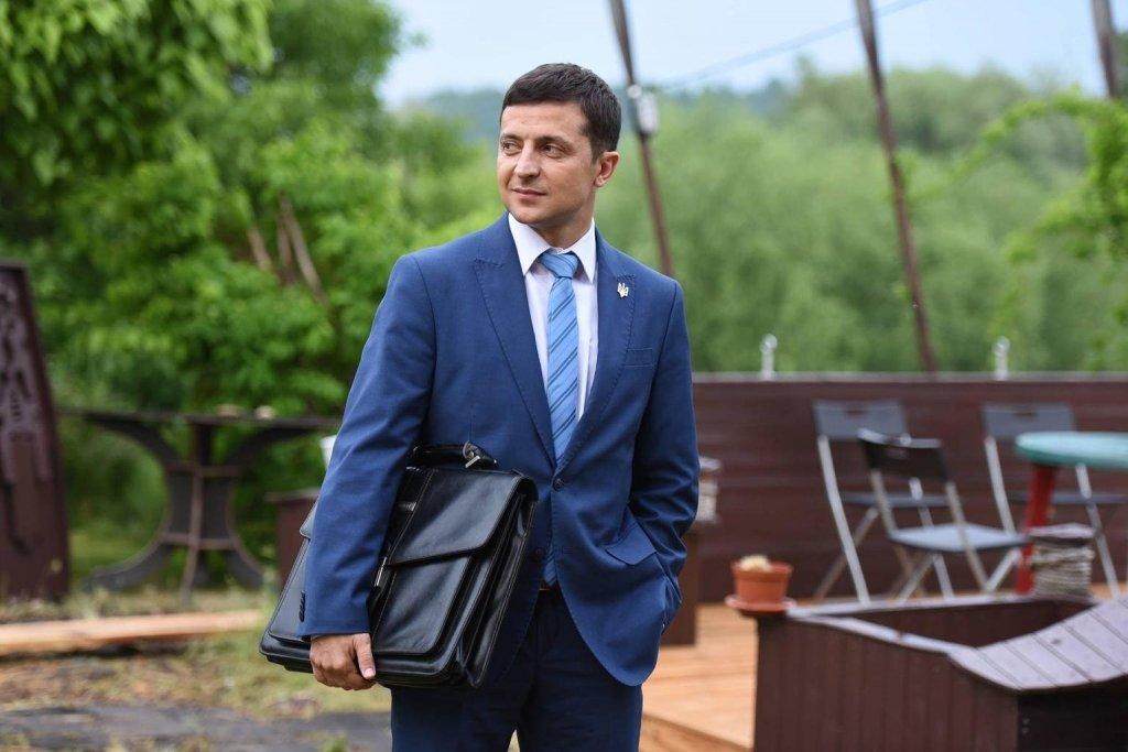 За желанием Зеленского распустить Раду скрыта другая цель – Романенко