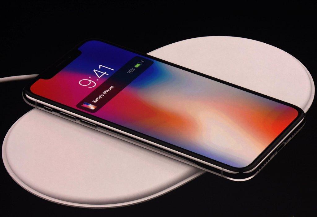 Прослушивают частные разговоры: Apple попала в очередной скандал