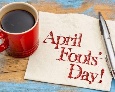 День смеха 2021: смс, открытки и веселые поздравления с 1 апреля, которые понравятся всем