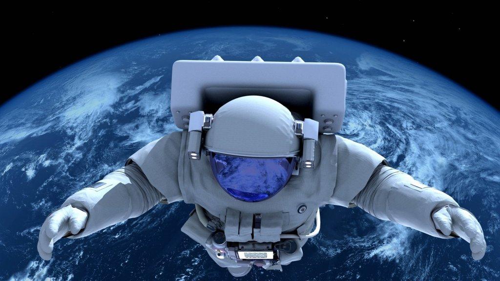 Астронавти показали, як готуються до виходу у відкритий космос: вражаючі кадри