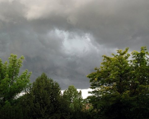 В Україну йде погана погода: синоптик назвала дату