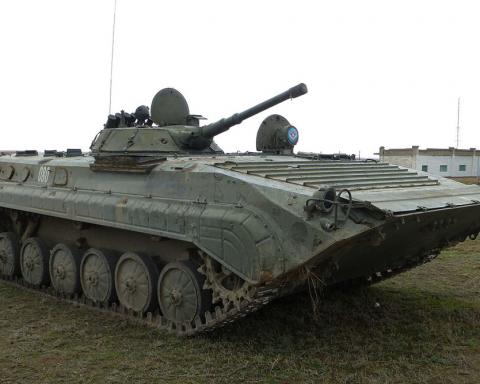 Влучний постріл та знищення: на відео показали, як злітає у повітря техніка бойовиків на Донбасі