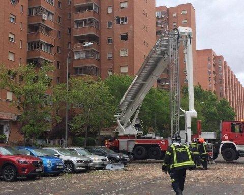 В столице Испании прогремел взрыв в высотке, много пострадавших: первые кадры с места